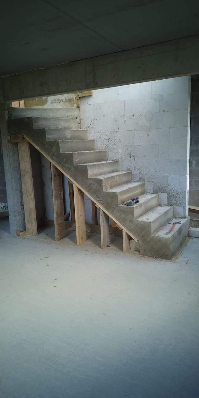 betonnen trap, trap in beton